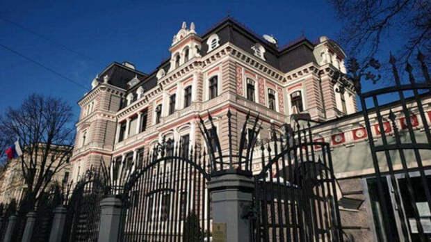 Латвия и Литва решили выслать российских дипломатов