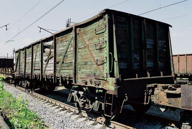 «Укрзализныця» отправила в бесконечный путь первый контейнерный поезд с экспортным грузом для Китая