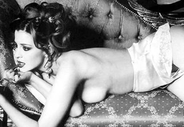 Восемь лет назад Женя впервые снялась в откровенной фотосессии для журнала «Playboy»
