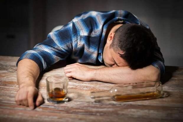 Брату-алкоголику наследство не нужно?