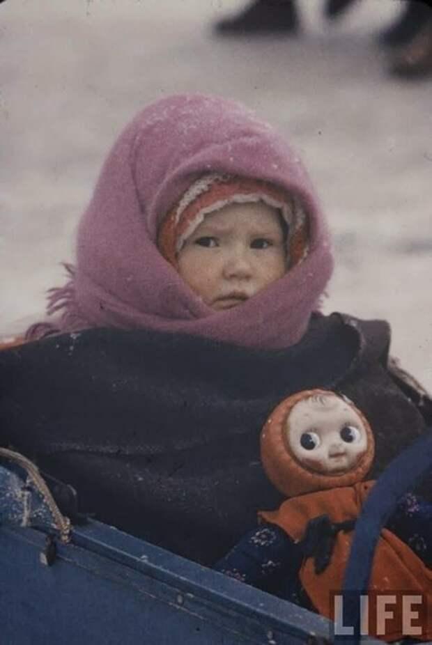 Советское зимнее детство в объективе американского фотографа.