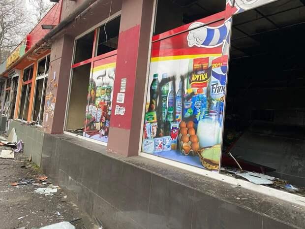 Ночью в Симферополе сгорел магазин