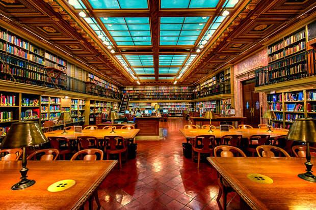 Public Library w/o Public by Warren Weinstein on 500px.com