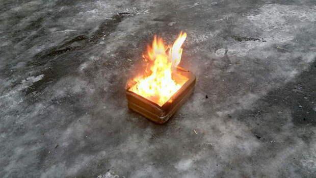 Выжигаем внтутреннюю поверхность канистры.
