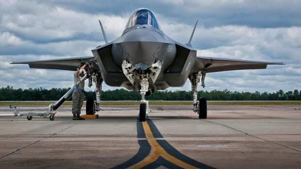 Массовое производства F-35 перенесли на неопределенный срок