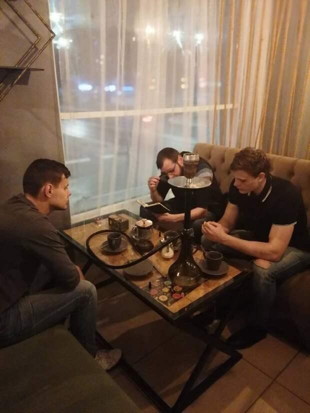 Молодежное отделение «Справедливой России» в Белгороде провело заседание с кальяном