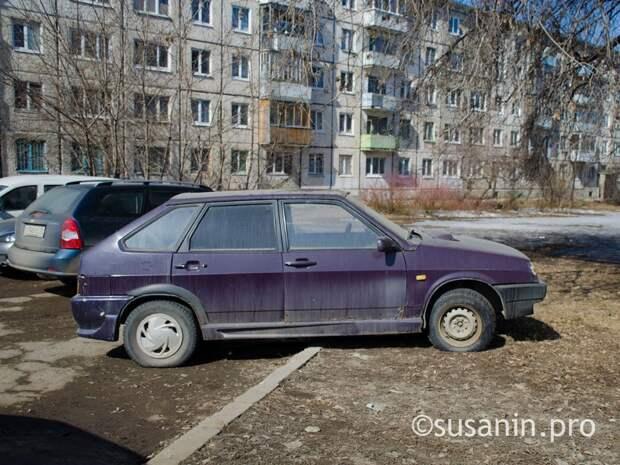 До конца мая в Ижевске ввели мораторий на штрафы за парковку на газонах