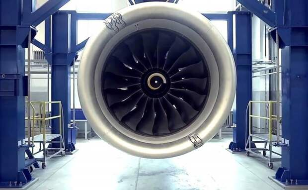 В России приступили к созданию двигателя для SSJ-100 и Бе-200