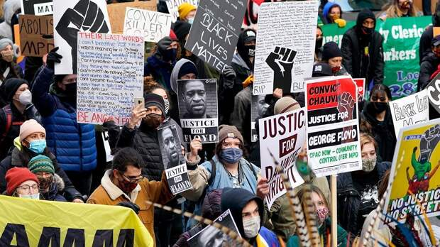 Национальная гвардия в Миннеаполисе: как американцы ждали вердикт по делу о смерти Джорджа Флойда