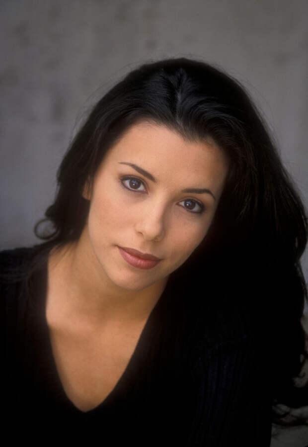 Ева Лонгория (Eva Longoria) в фотосессии Барри Кинга (Barry King) (1998), фото 1