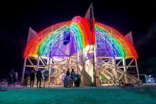 6 крутых арт-объектов «Burning Man» от российских архитекторов