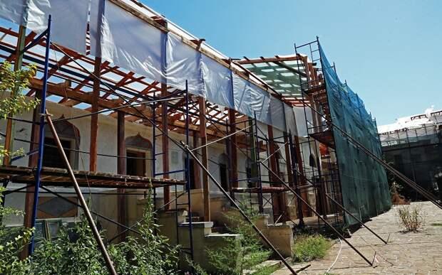 Реставрацию ханского дворца в Бахчисарае закончат в 2022 году