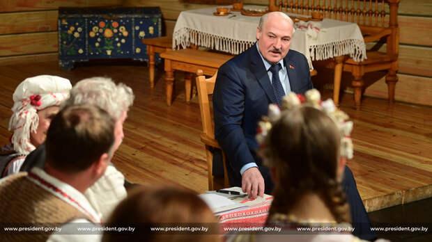 Лукашенко: Буду продвигать национализм, чтобы белорусы не были русскими