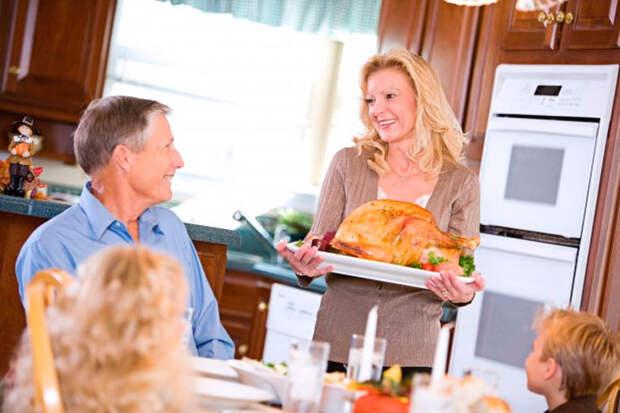 Ей говорили, что ее место на кухне... и она согласилась
