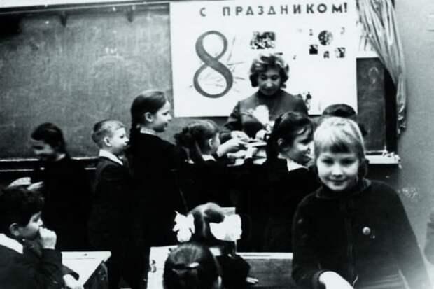 Ренате Литвиновой исполнилось 54