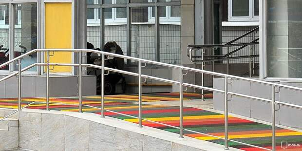 Пандус на улице Свободы отремонтируют до 15 сентября