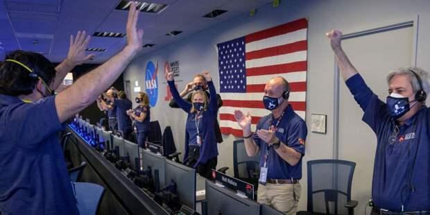 Американский планетоход успешно сел на Марсе