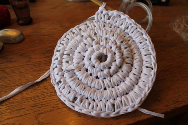 связать круглый коврик крючком