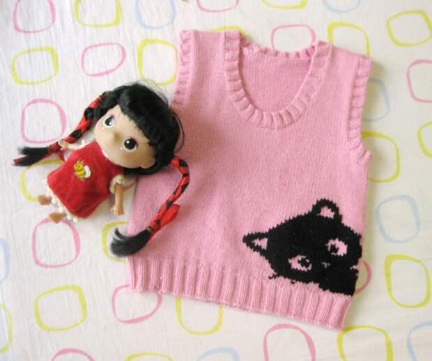 как связать жилет Hello Kitty