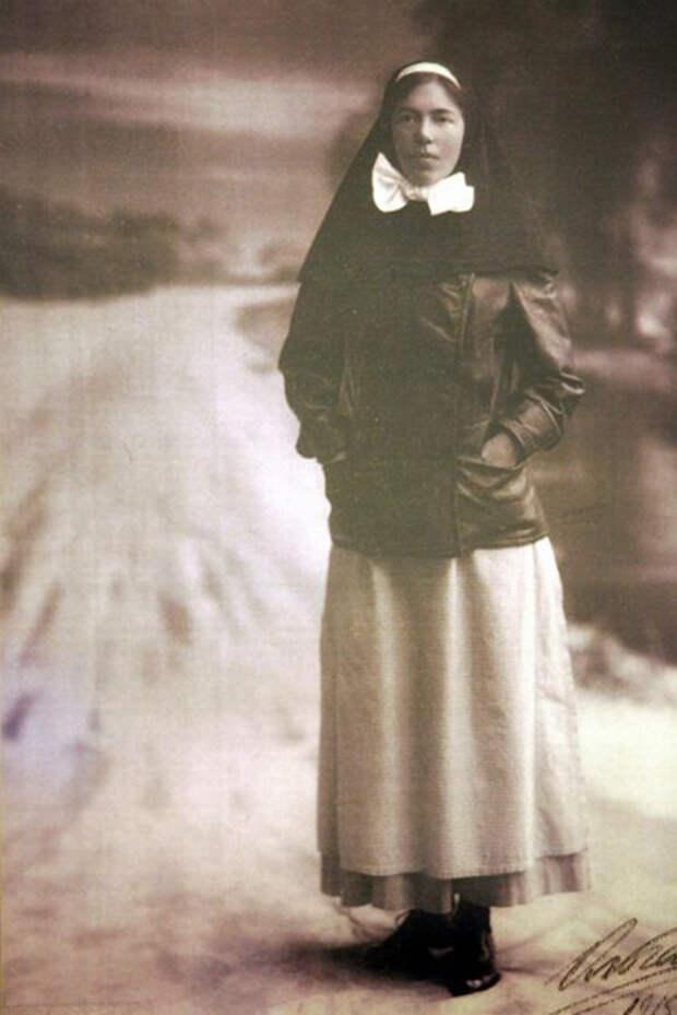 Великая княгиня Ольга Александровна, фотография 1915 года. / Фото: Александр Неменов / Getty Images