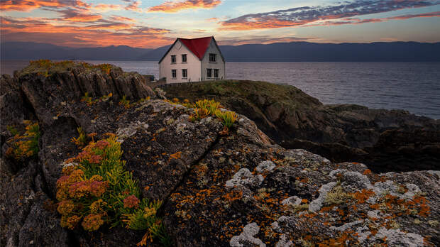 The house behind the rocks . by Vic Perri on 500px.com