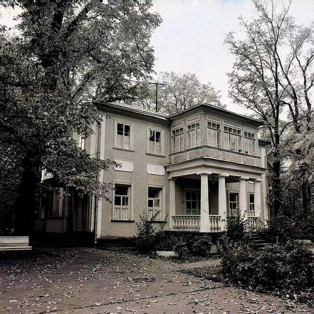 Беспредел олигархов: Единственную в Подмосковье Царскую усадьбу сносят ради резиденций