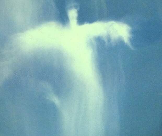 15 образов Христа в облаках, которые попали на камеру в разных уголках мира