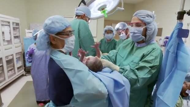 Она ждала рождения близнецов. Когда врачи показали результаты УЗИ, ее сердце едва не остановилось!