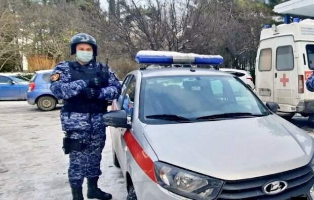 В Крыму пьяный мужчина после ДТП угрожал медикам