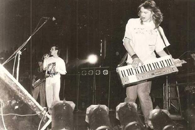Проклятие «Ласкового мая»: из 9 участников первого состава группы в живых остался один Юрий Шатунов.