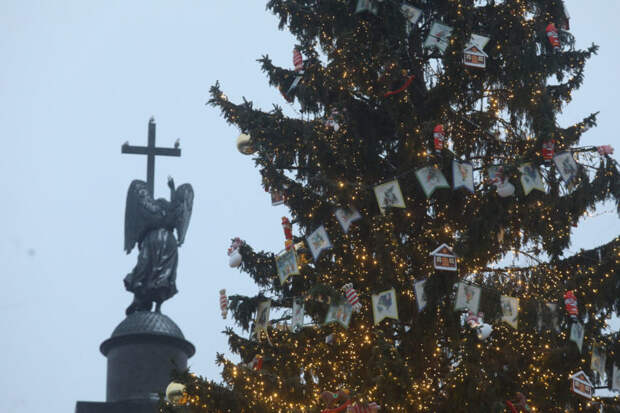 За порядком в Петербурге в новогоднюю ночь следили около 700 сотрудников Росгвардии