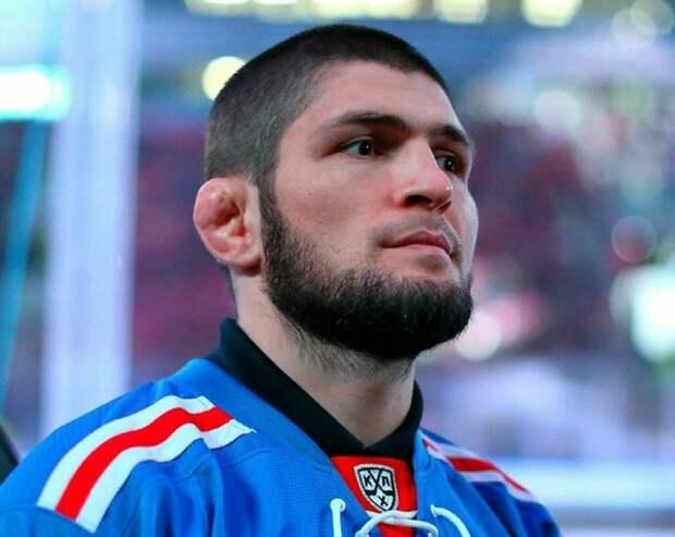 Нурмагомедов заявил, что бой не состоится, Фергюсон призвал лишить его титула