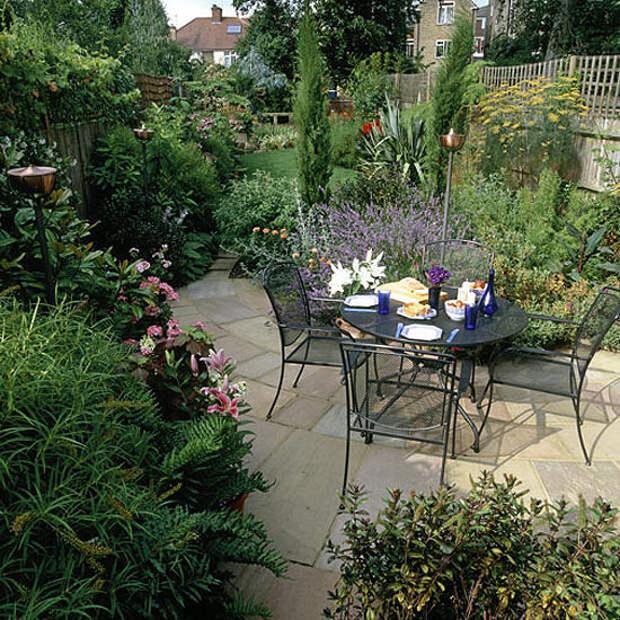 http://homeklondike.site/wp-content/uploads/2011/06/1-new-ideas-for-traditional-garden.jpg