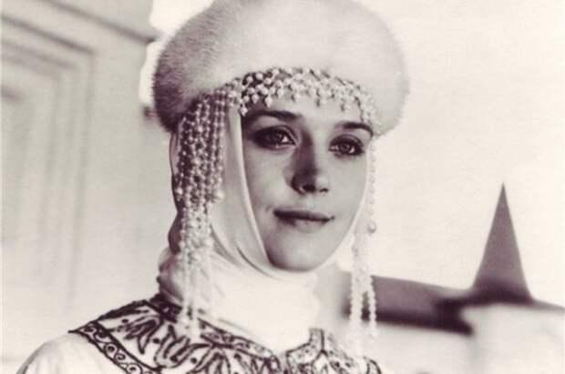 10 запоминающихся образов Ирины Алфёровой в кино