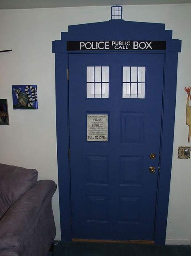 Дверь тардис