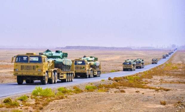 Китай стянул к границе с Индией бесчисленные бронетанковые силы