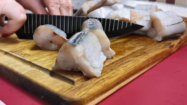 Как приготовить из минтая без предварительной обжарки вкусное рыбное блюдо в густом соусе