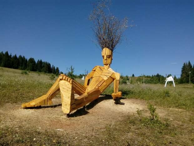 10-метровый деревянный «соблазнитель» появился в Удмуртии