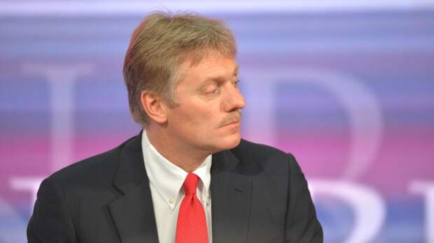 Песков отказался комментировать ситуацию вокруг издания DOXA
