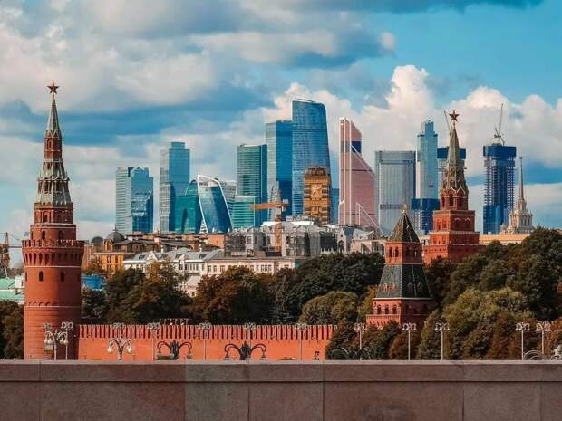 Вот интересно, за что не любят москвичей?