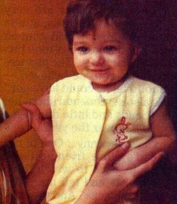 Как выглядела в детстве несравненная Айшвария Рай, и как преображалась с годами ее неземная красота
