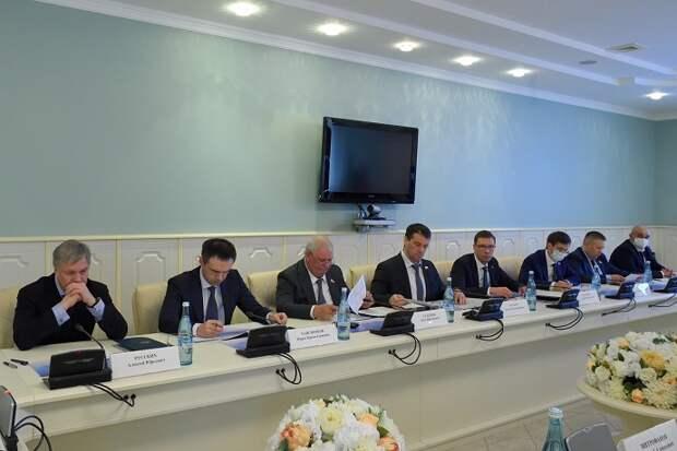 Руководство Адыгеи и сенаторы обсудили ход реализации индивидуальной программы в регионе