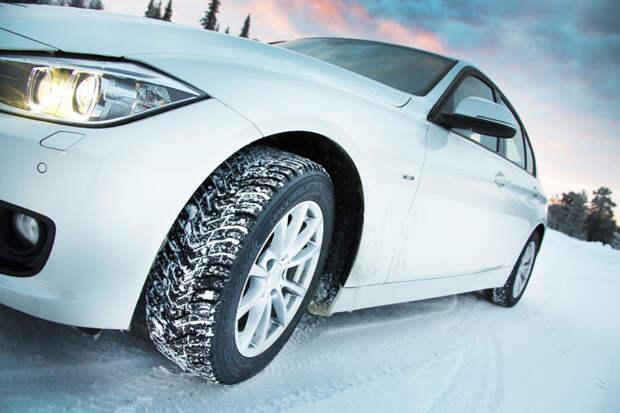 Российские водители по-прежнему сами шипуют шины. Зачем?