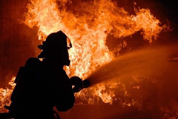 Иномарка начальника отдела полиции иещё пять машин сгорели вХарькове (ФОТО, ВИДЕО)