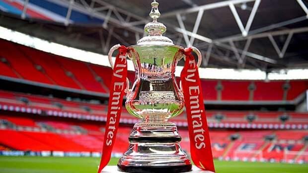 Лондонский «Арсенал» завоевал старейший футбольный трофей в мире и путевку на групповой этап еврокубков