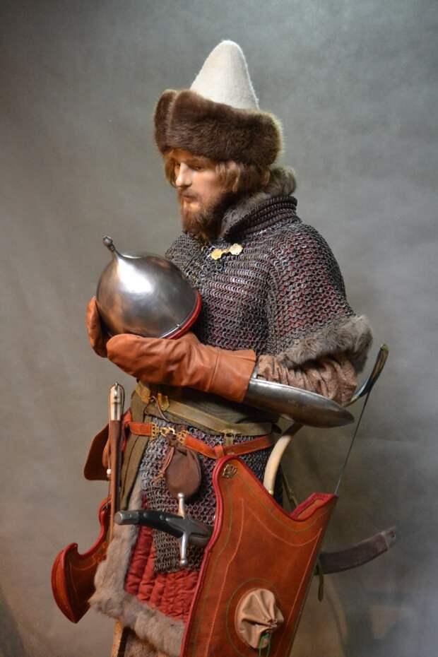 Молодой поместный времен Избранной Рады (XVI век).
