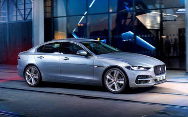 Jaguar представила обновленный XE