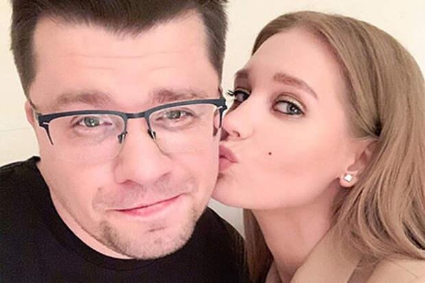 Асмус заявила о разводе с Харламовым