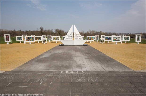 8. 28 июня 2007 года по проекту Леонида Левина был открыт вот этот мемориал.  белоруссия, война, дети, прошлое
