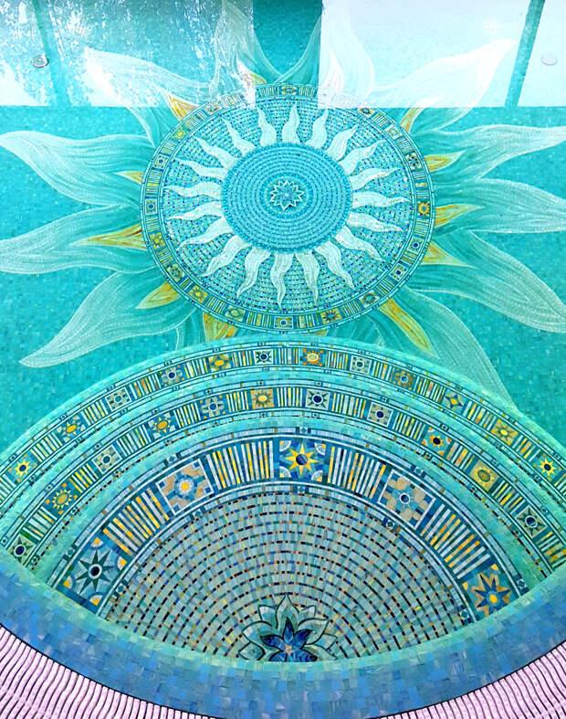 Мозаика Голубая звезда на дне бассейна